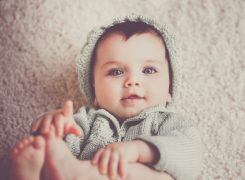 Caring for your Baby in Winter + Free Winter Baby Checklist!